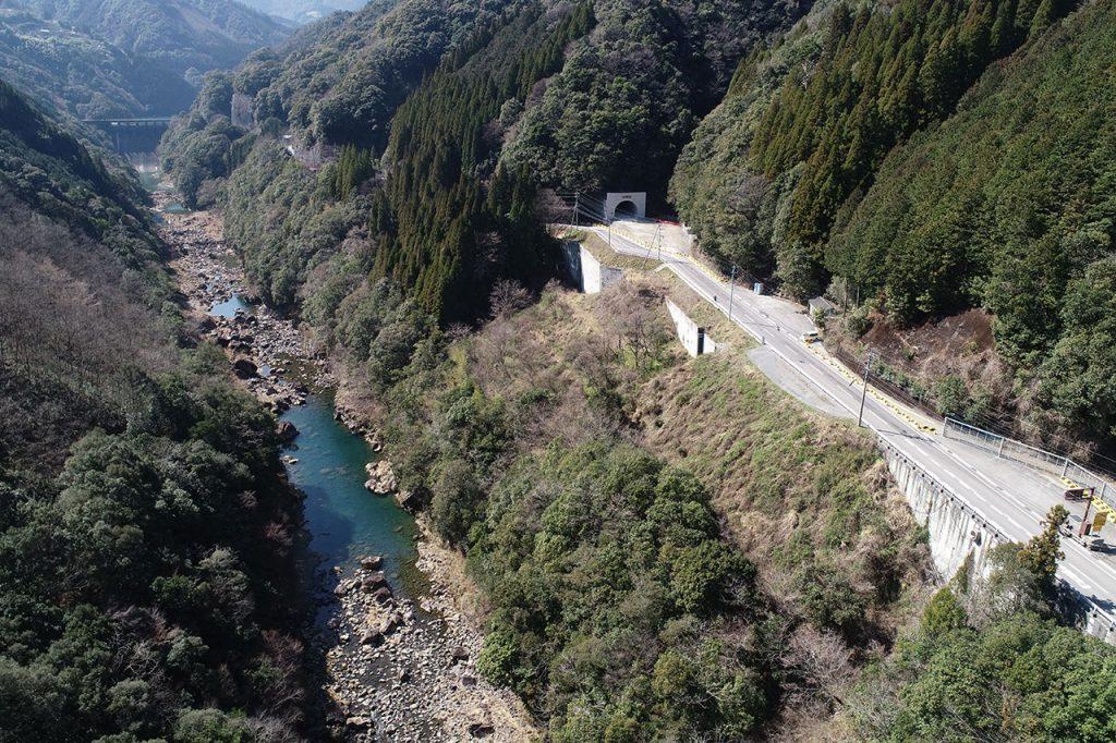 尾平トンネル(遠景)